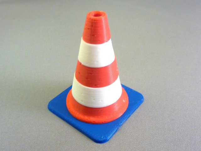Traffic_cone_display_large