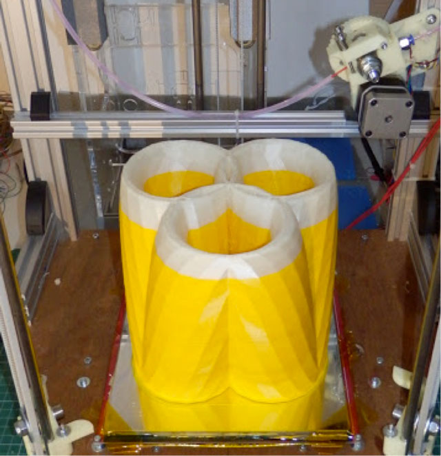 Rostock 3D printer - trinocular 3pot vase finished