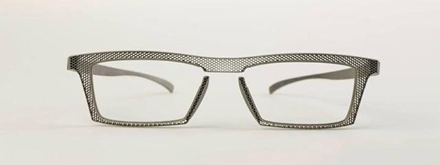 Hoet eyewear 3D printed titanium glasses