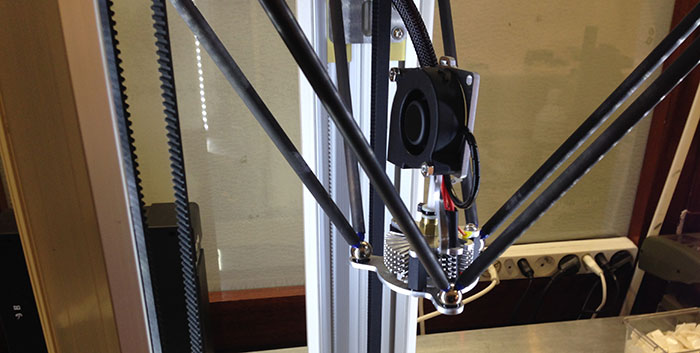 3D Printer extruder with magnets