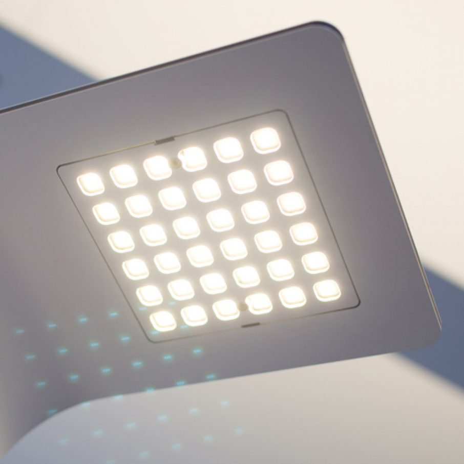 oneLED table luminaire uses LUXeXcel 3D Printed Lens feature