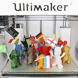 ultimaker 3d printing football mascots