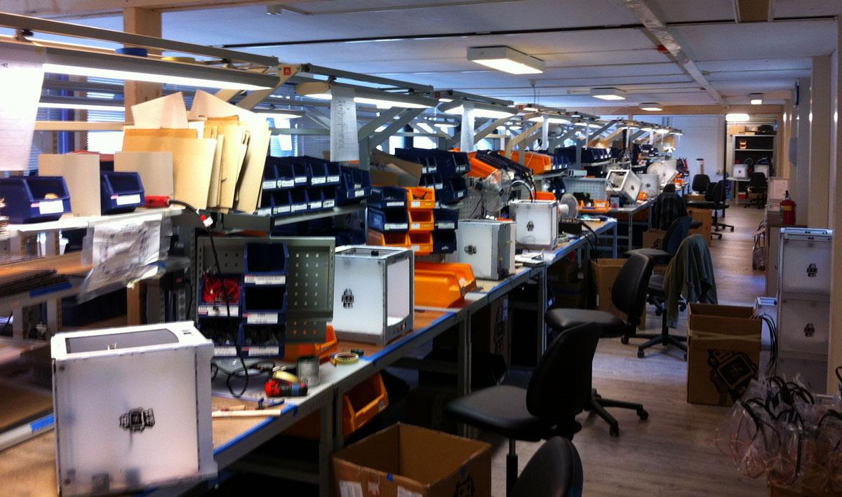 ultimaker 3d printer assembly line