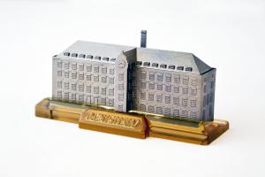 3D printed titanium gift for Deputy Prime Minister Nick Clegg