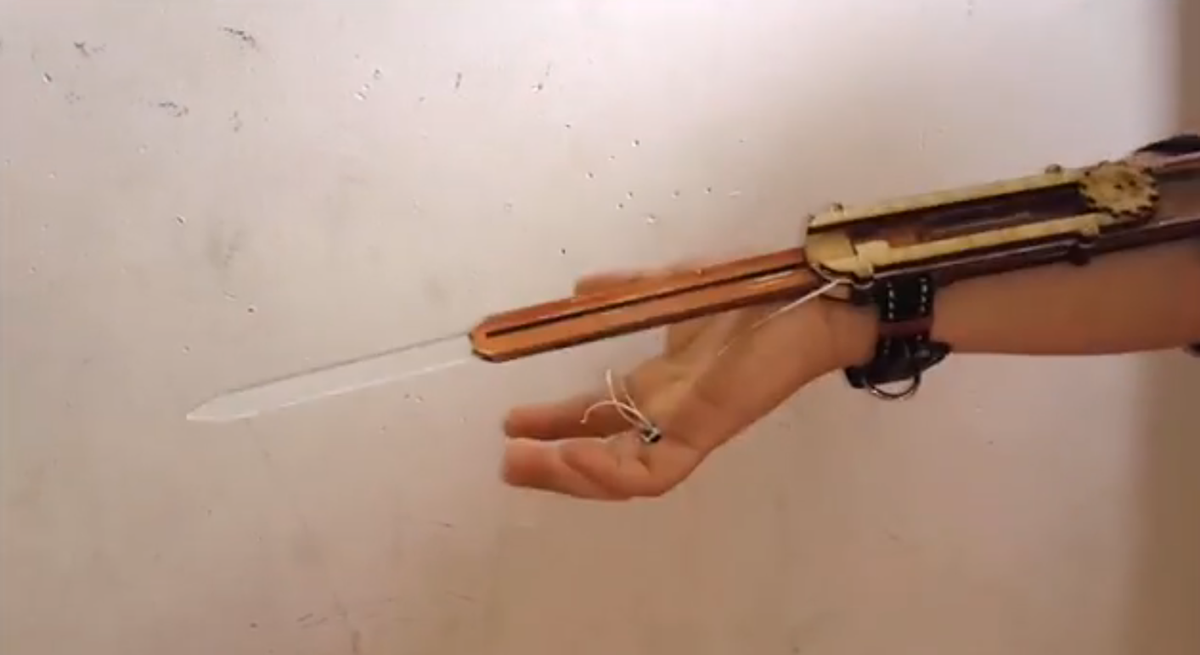 Cosplayer S Assassin S Creed Weapons 3d Printing Industry