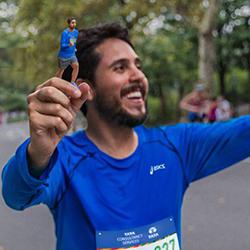 3d printed marathon runner prize feature