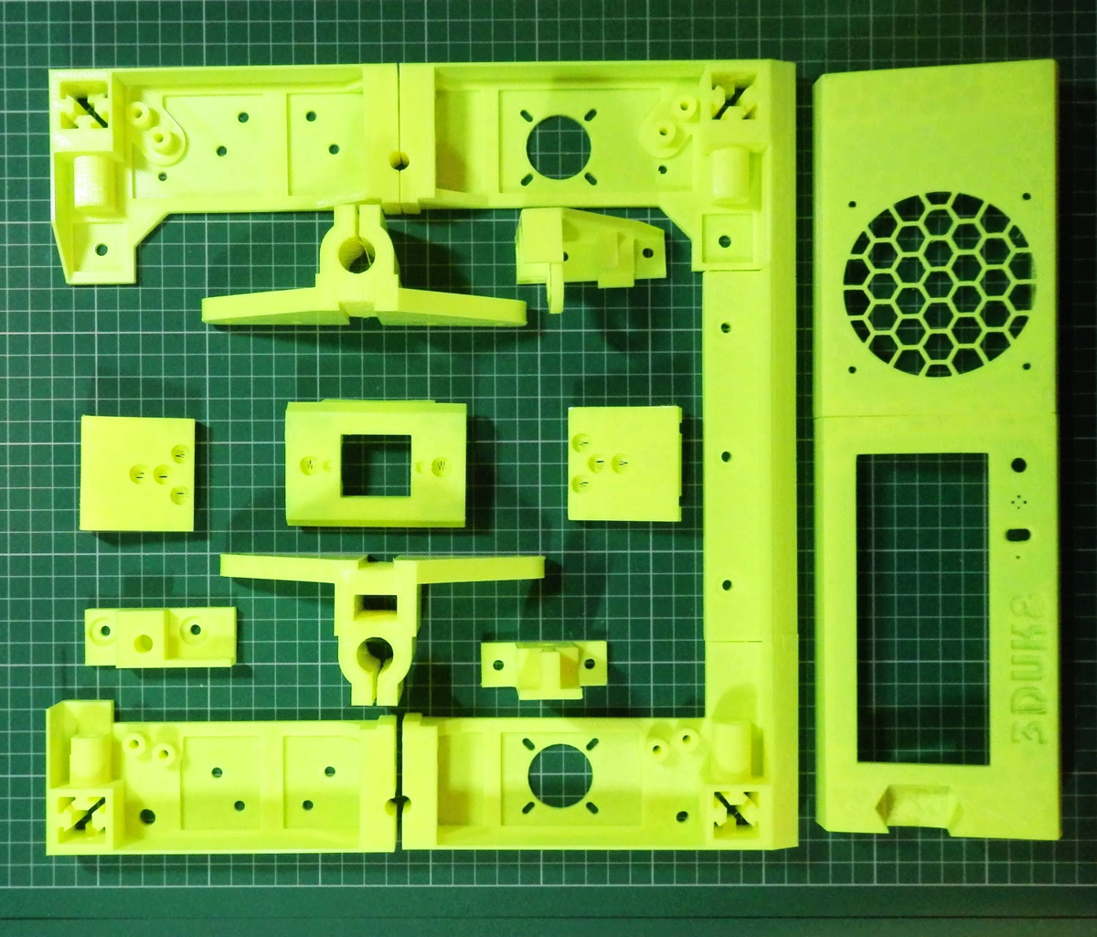 Sli3DR 3D Printed parts by richard richrap horne