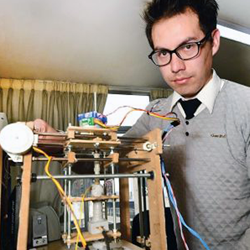 bolivian engineering student paulo loma recycled 3D printer