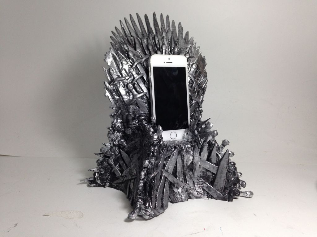 3D printed game of thrones iphone dock by fernando sosa