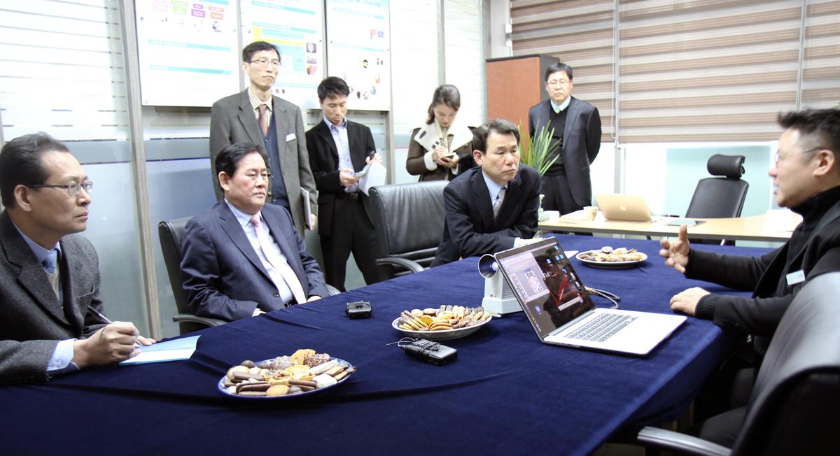 Deputy Prime Minister Choi Kyung Hwan at Rokit 3D Printing Jan07,2015