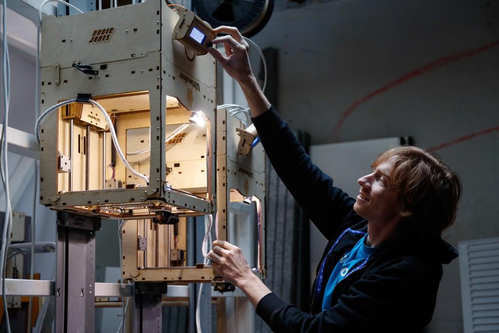 Joris van Tubergen ultimaker mod z-unlimited 3D printing