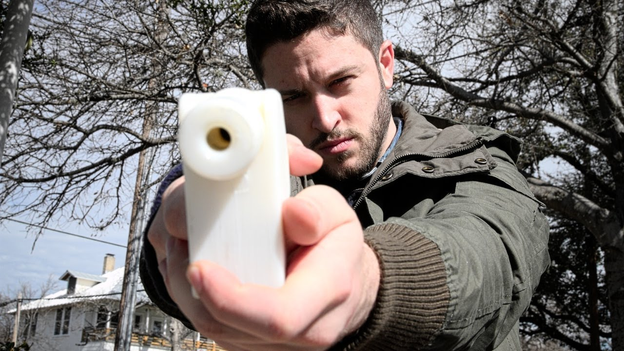 cody wilson with 3D printed liberator pistol