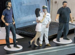 3D printed people at Artec booth at REAL 2015