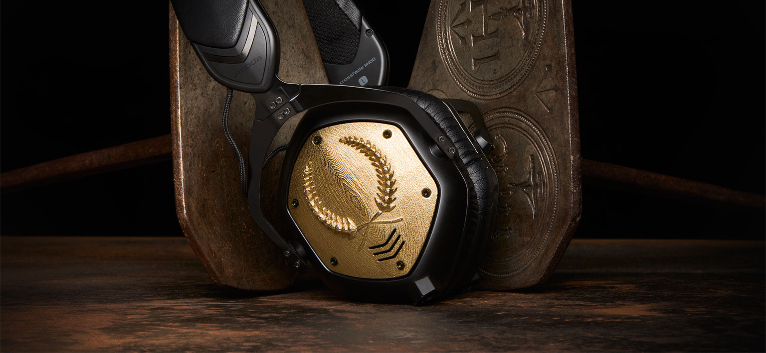 3D printed custom headphones from v-moda