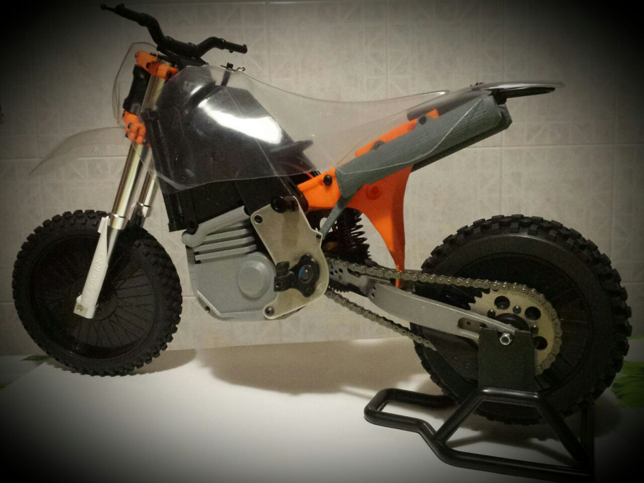 partially 3d printable rc motorcycle kit 3d printing industry. Black Bedroom Furniture Sets. Home Design Ideas