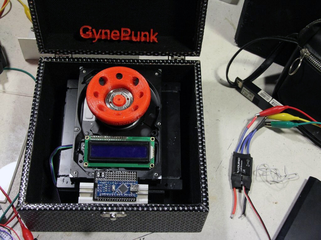 gynepunk centrifuge with 3D printed parts