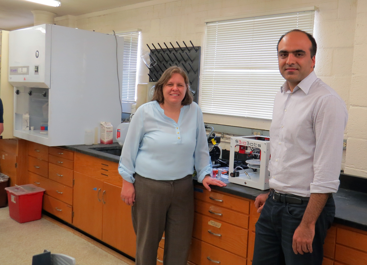 Ali N. Azadani and Corinne Lengsfeld with biobots 3D printer at university of denver via The 3D Printing Store 3D printing industry