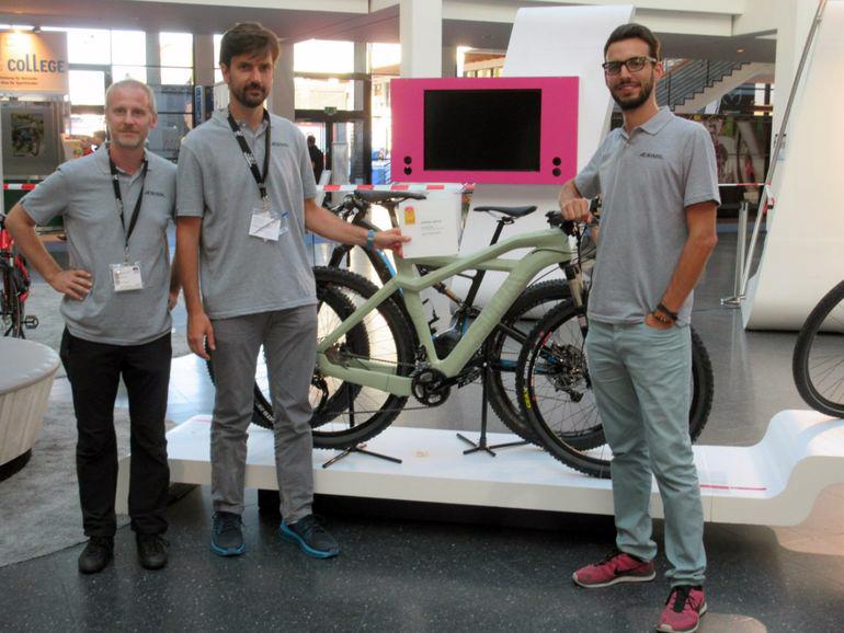 eurocompositi 3D printed compostable bike frame AENIMAL PROJECT team