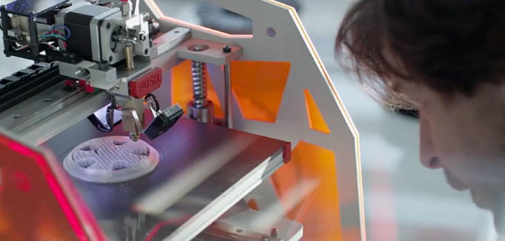 3DGence 3D printer in VW commercial