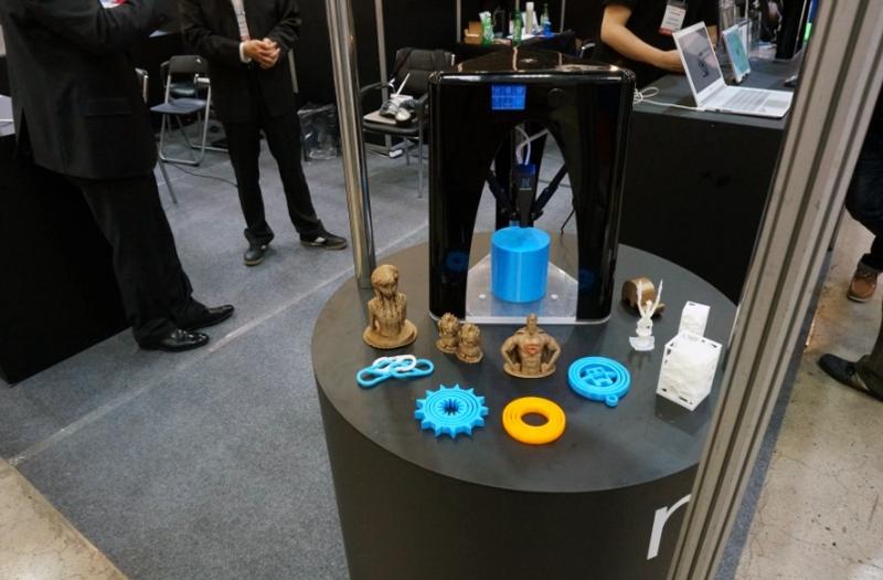 a deltabot from KAIDEA at 3D Printing Korea 2015