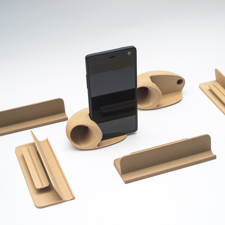 3D printed accessory for Fairphone 2 modular smartphone