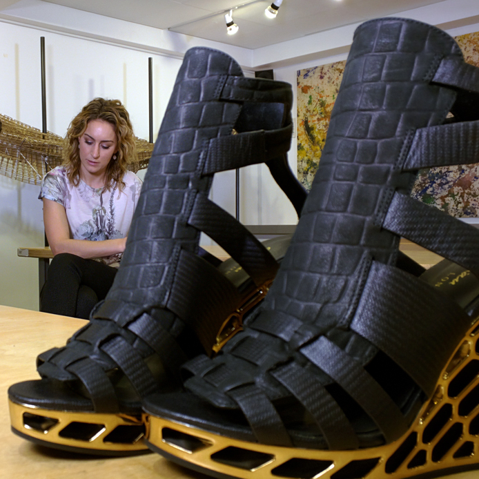 feature Amy Williams 3D printed gold shoe with Gadget Show logo
