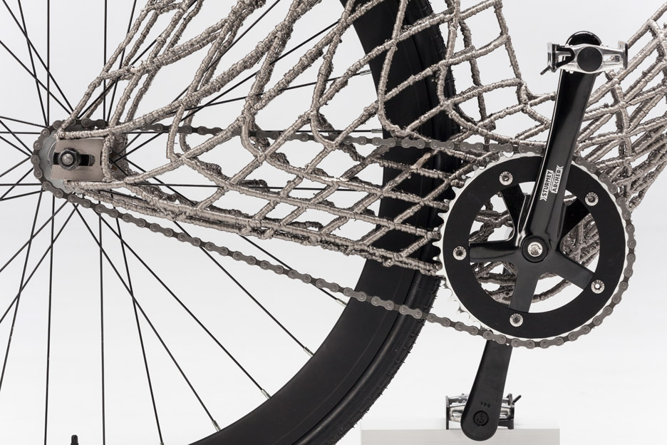 3D printed steel arc bicycle from MX3D TU Delft gears