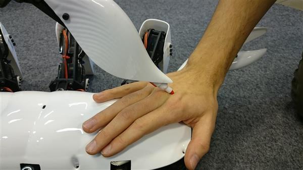 3d-printed-scorpion-robot-autonomous-stinging-tail4