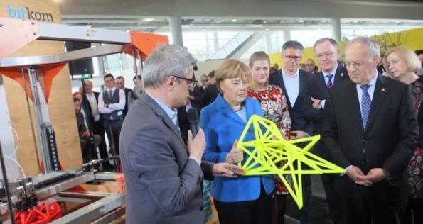BigRep_Cebit2016_Besuch-Angela-Merkel-klein