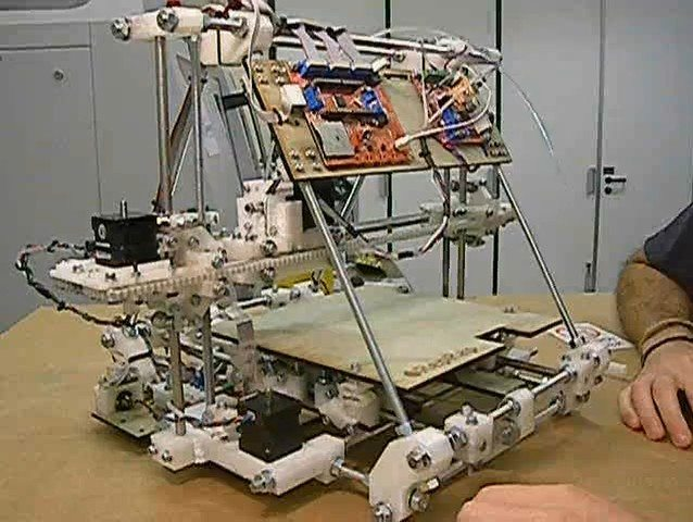 RepRap Mendel, an early sign of hacker greatness