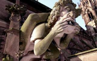 02_Original_Sculpture_at_the_Freiburg_Cathedral_Germany