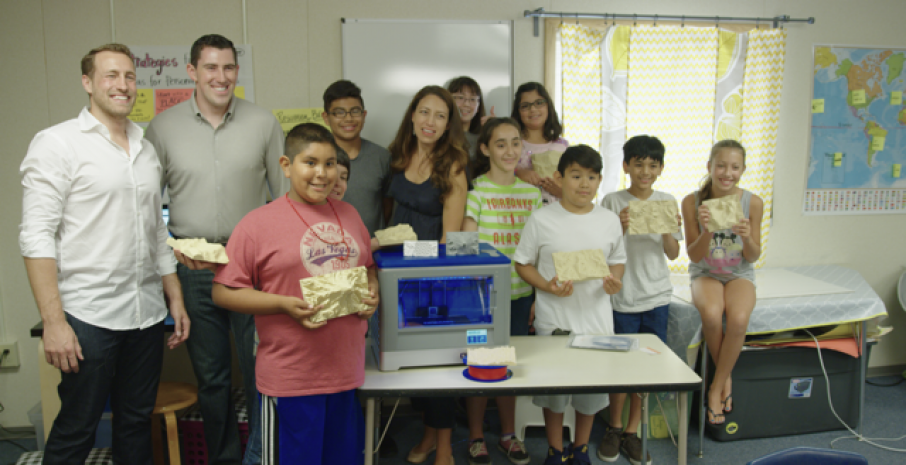 Kim Rodriguez and her 5th grade class at Woodin Elementary with the Sightline Maps team. Image: Sightline Maps