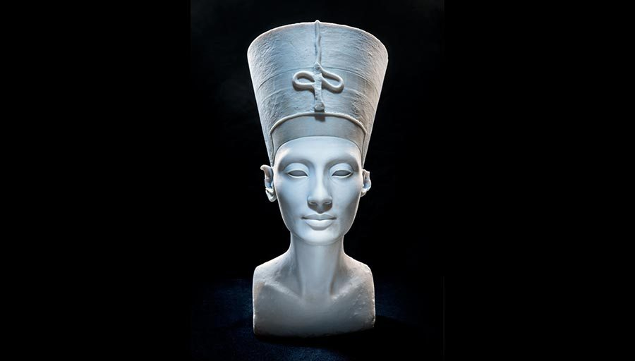 The Other Nefertiti, Nora Al-Badri & Jan                  Nikolai Nelles