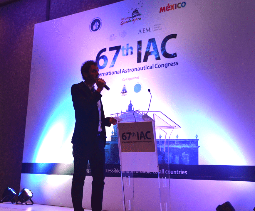 Federico Romei presenting his co-authored paper at the 67th IAC in Guadalajara, Mexico