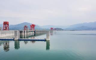 Featured image shows the Three Gorges Dam on the Yangzte River. Photo via: beyondhue on flickr