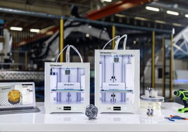 The Ultimaker 3 family of 3D printers. Photo via Ultimaker
