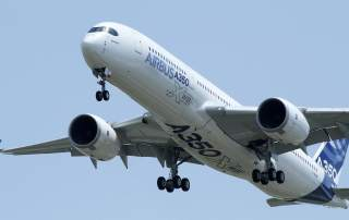 An Airbus A350 Picture taken June 14, 2013    REUTERS/Jean-Philippe Arles/File