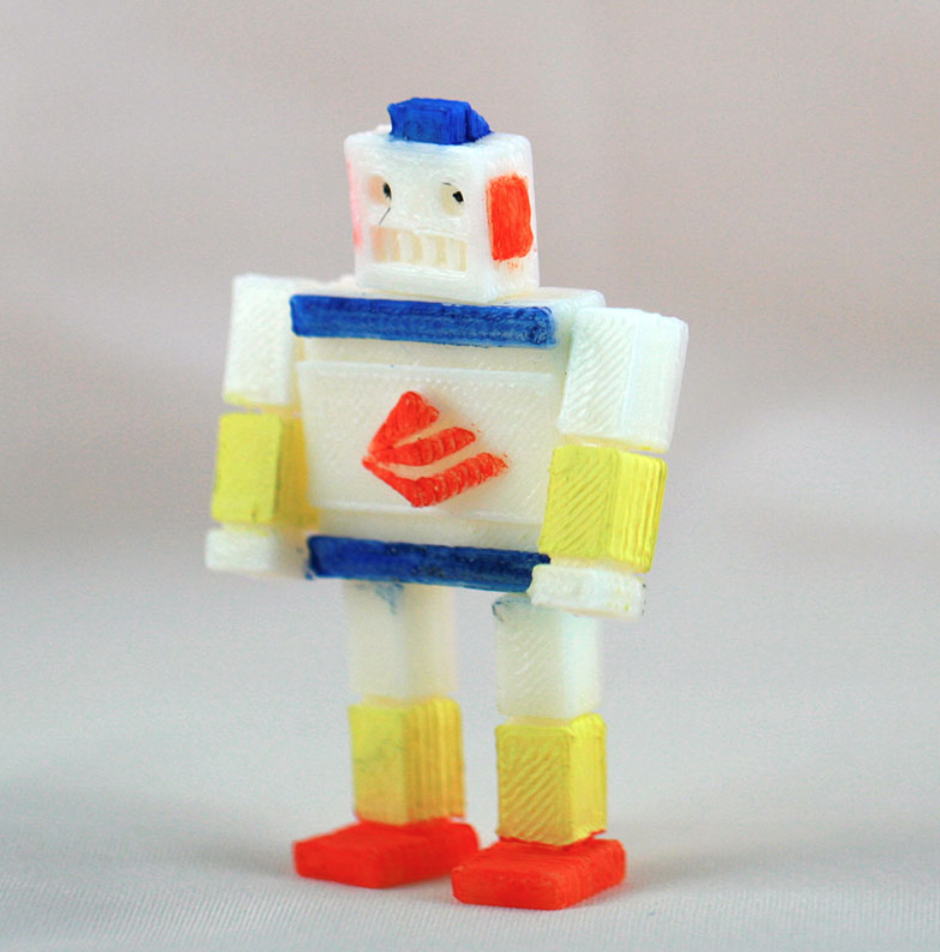 tiny cube robot created by louse. From XYZprinting's Maker Zone