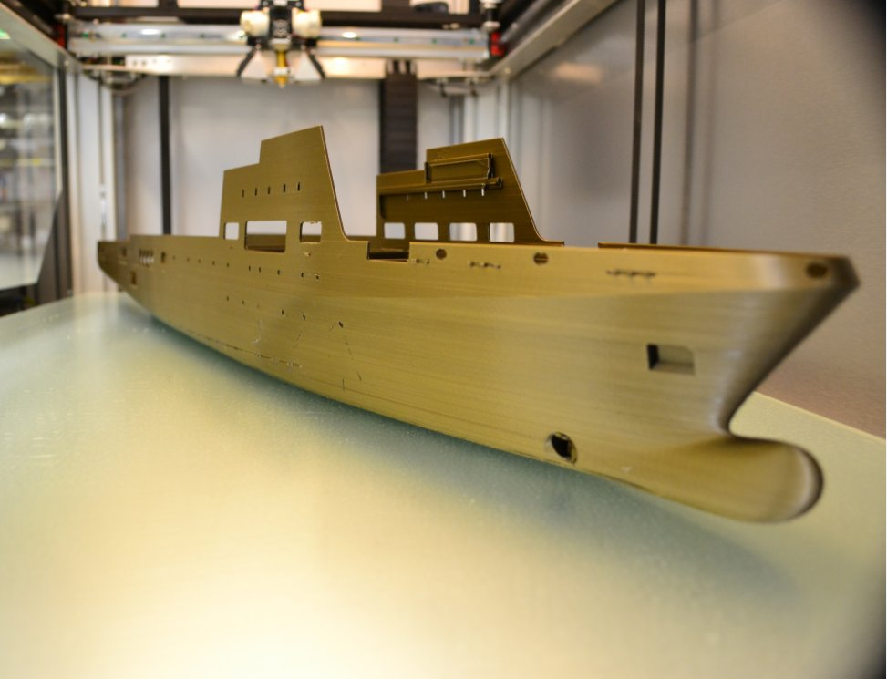 '1000mm long freighter prototype printed on the Builder Extreme 1500 designed by George Stallems Photo via: Builder3DPrinters on Twitter
