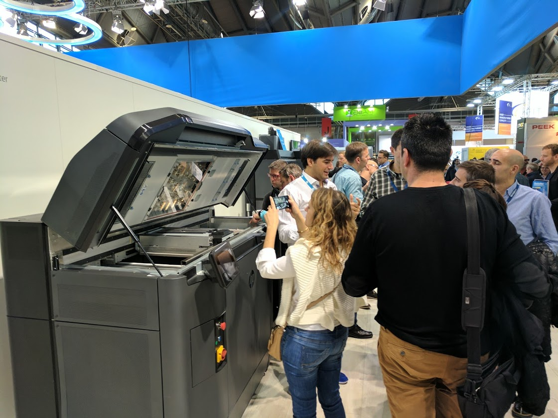 HP's 3D printer drew a crowd at formnext 2016. Photo by Michael Petch.