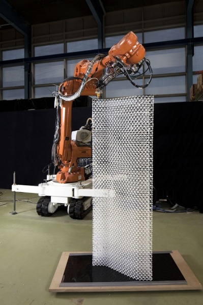 The initial polymer based mesh project. Photo by NCCR Digital Fabrication.