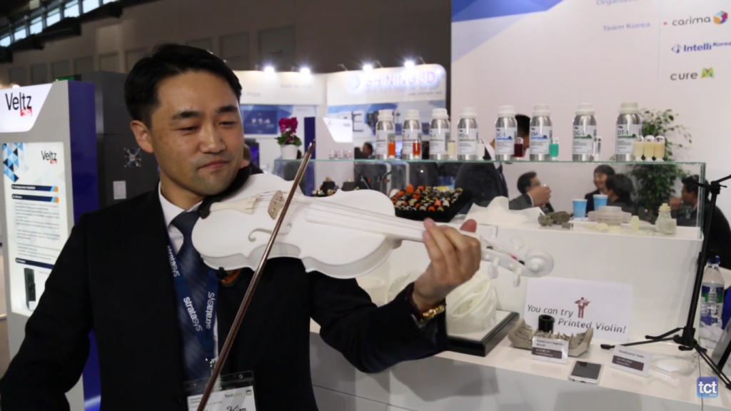 Veltz3D showcase a 3D printed violin at Formnext 2016. Image via..
