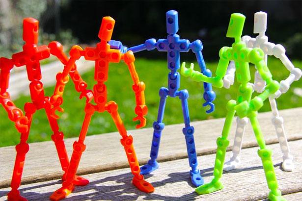 More 3D figures. Image via Business2community.com