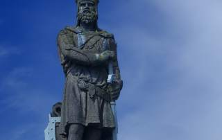 Robert the Bruce Statue, Stirling Castle Photo by: dun_deagh on flickr