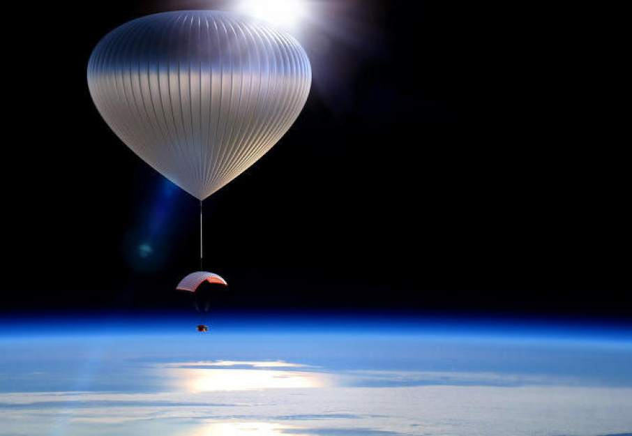 An artist's impression of the World View ballon in flight. Image via: fastcompany