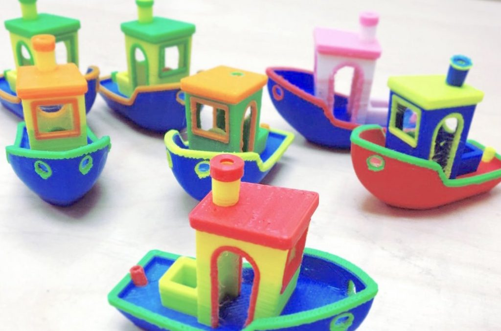 A fleet of custom colorway 3D Benchy boats by Javen Wilson of Mosaic Manufacturing Photo via: 3D Benchy on Flickr