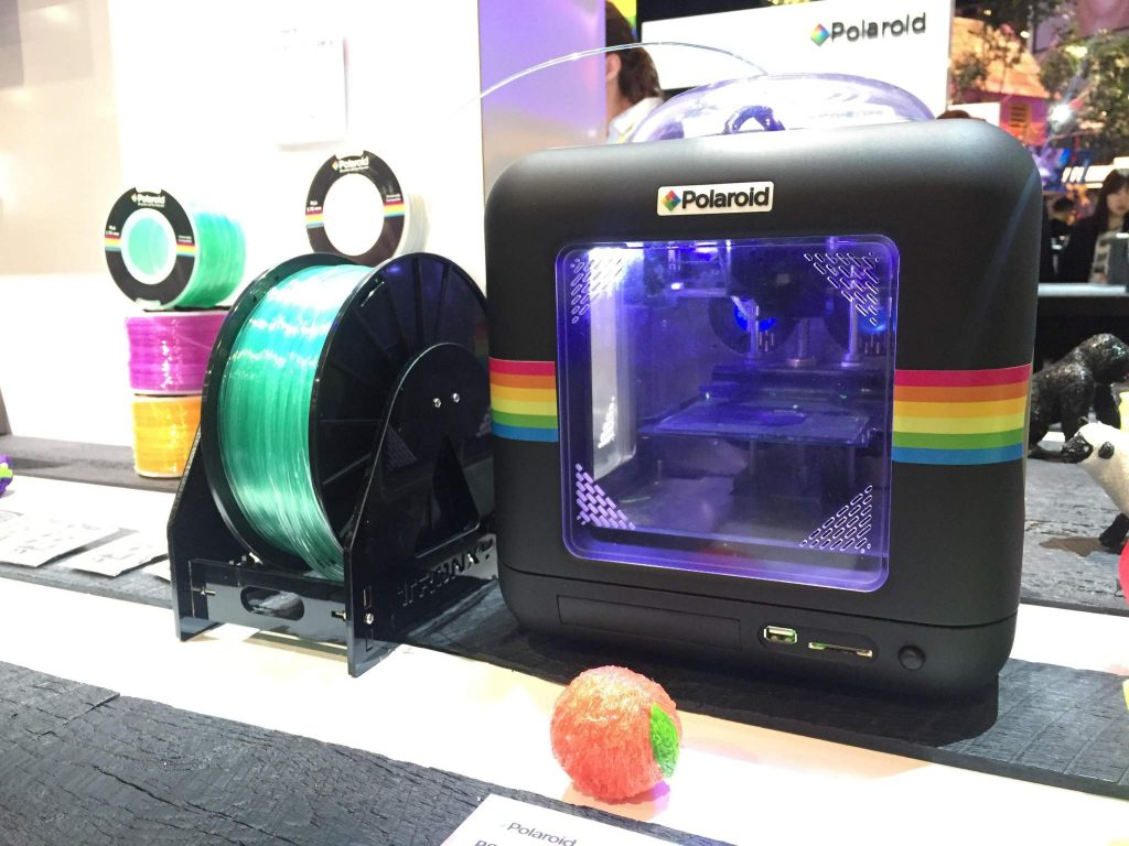 A Polaroid desktop 3D printer at CES 2017. Photo via: El Financiero cr