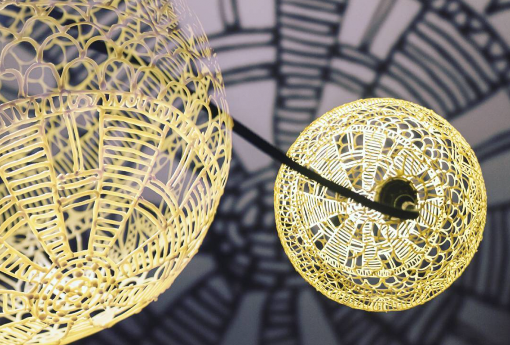 The 3D penned light shade by Devin Montes. Photo via the artist (Dddevinnn) on Instagram