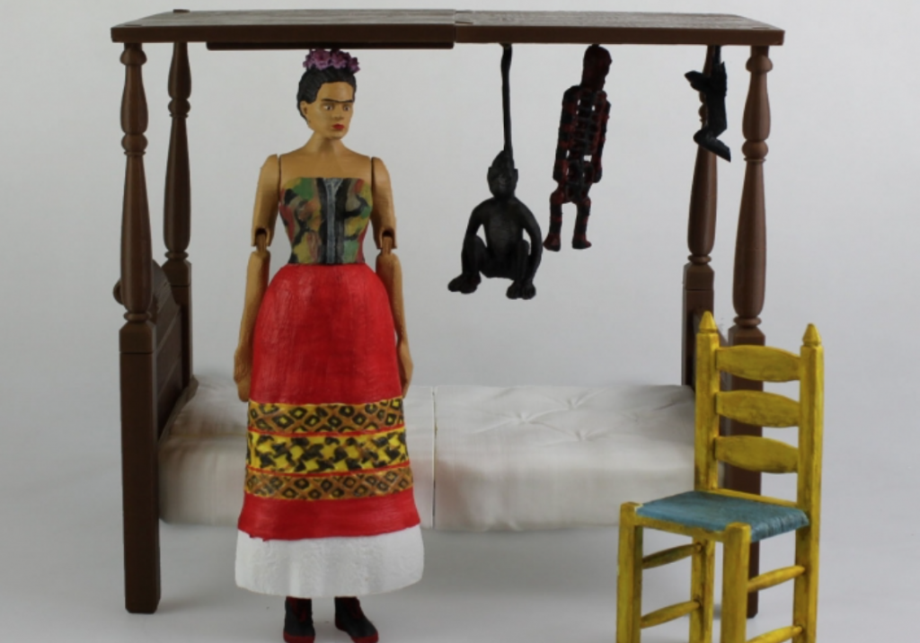"""Frida Kahlo - Articulated Figure - Support Free"" Photo via: Evavooo"