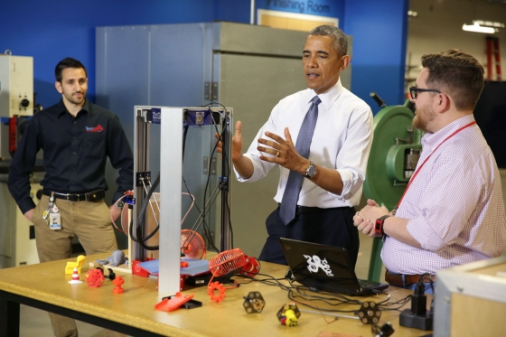 President Obama and a 3D printer at TechShop, Pittsburgh. Photo by official White House photographer Chuck Kennedy
